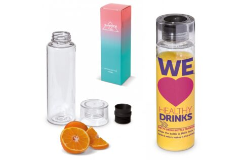 Transparent plastic drinking bottle made of Tritan material. Due to the silicone top the bottle is 100% leak-free. Suitable for cold, non-carbonated drinks. The product has a large printing surface. Delivered in gift box.