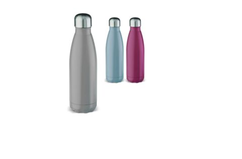 The high-quality stainless steel vacuum insulated bottle provides insulation for cold and hot drinks and is useful for on-the-go. The soft finish ensures a modern design. In addition, the cap of the bottle has a rubber edge, making the water bottle leak-proof. The bottle comes in a luxurious gift box.