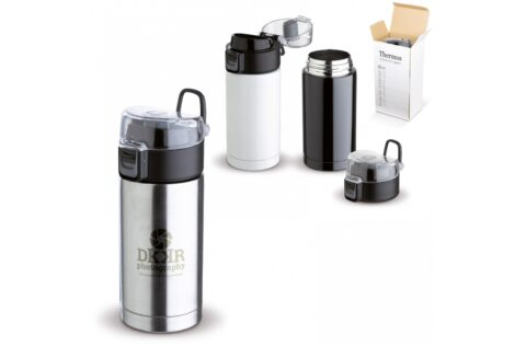 100% leak-proof vacuum mug with a safety button that prevents the bottle from leaking. The flask can only be opened by a click on the button.