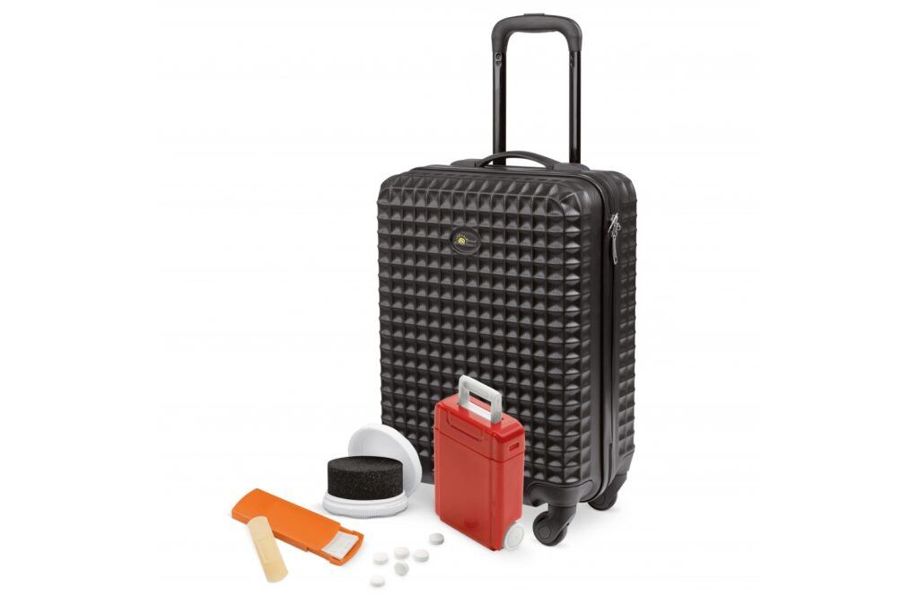 Travel set. Consisting of 3 travel-based items, and 1 handy trolley to pack them in.Including a full color digital print on all items (excluding the trolley). For ordering, please contact your sales representative. Set contents: 250 pieces of the 91842, 250 pieces of the 90397, 250 pieces of the 91314, 1 piece of the 95194.
