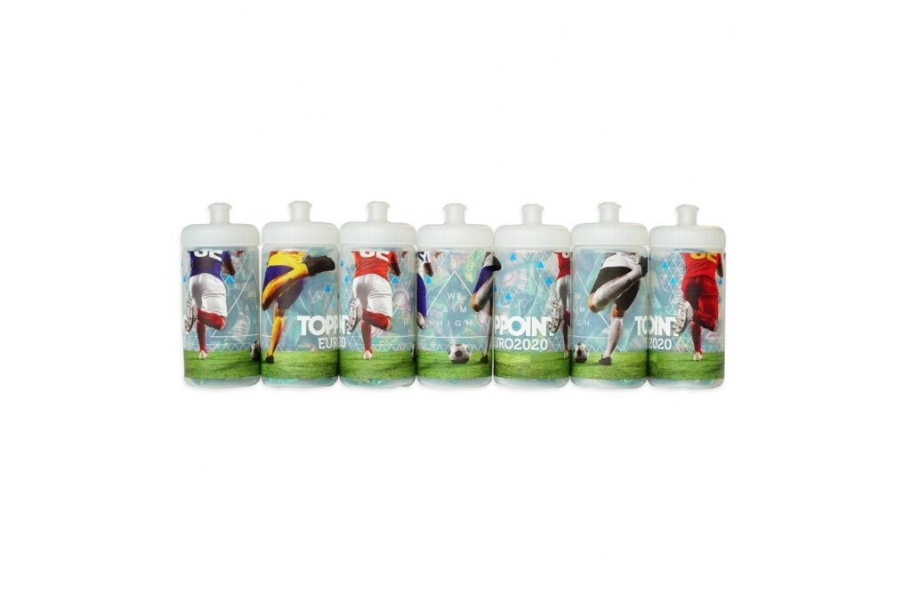 A Toppoint own design, own EU production 500ml Sport bottle (LT98795) 360 digital printed with footballplayers. As an example the Toppoint logo is printed on the Sport bottle. Of course the Sport bottle can be printed with a customer logo. The Sport bottles are filled with chewing gum in the shape of a football. Ask your Toppoint contact for the opportunities.